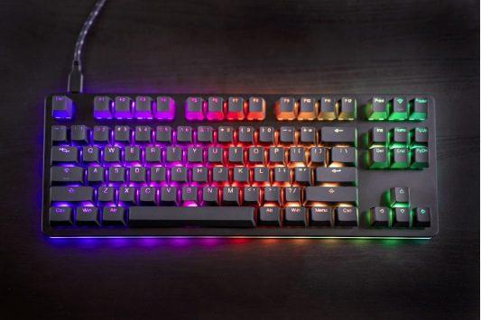 Giveaway Kono: Gana un teclado mecánico gamer Hexgears Gemini Dusk