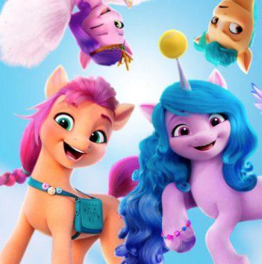 Mujer de 10 regala juguetes de My Little Pony